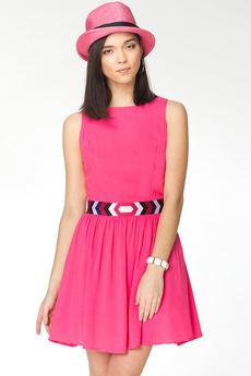 Летнее платье с вышитым поясом и вырезами на спине VIAGGIO со скидкой